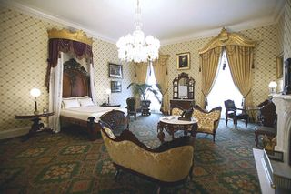 Lincoln-bedroom-picture