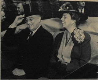 Franklin_and_eleanor_roosevelt_november_1935